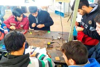 Estudiantes entrerrianos desarrollan aros magnéticos para mejorar la audición de discapacitados