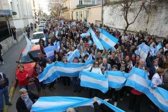 """En Concordia marcharon para dar su apoyo al gobierno de Macri: """"Somos y seremos República"""""""