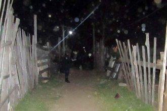 Mujer perdió la vida al incendiarse una precaria casilla construida con costaneros de madera