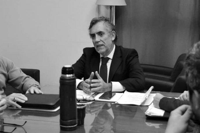 Rodríguez Signes admitió que se enteró por TV que un ex funcionario siguió cobrando su sueldo pese a estar condenado e inhabilitado