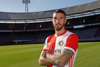 En la presentación del concordiense Senesi, Feyenoord recordó a un ex selección argentina