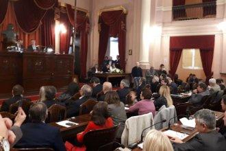 Control a las contrataciones: quedó firme el veto del Poder Ejecutivo y hay polémica