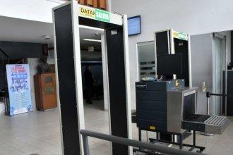 Mayor seguridad en los tribunales de Paraná: suman detector de metales y escáner de Rayos X