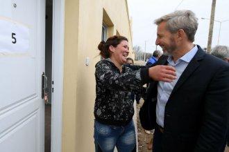 """El ministro Frigerio inauguró 30 viviendas en """"el barrio fundador"""" de La Histórica"""