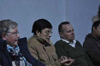 Tensa reunión con funcionarios por fumigaciones: una familia relató los problemas de salud que padecen
