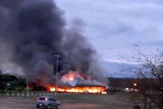 Se prendió fuego el quincho de Termas San José
