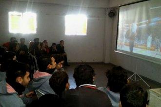 Festejos en la escuela: suspendieron las clases por un rato para ver la victoria argentina y su pase a la final