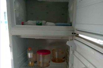 Delincuentes vaciaron la heladera de una escuela