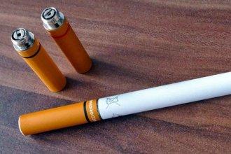 Adolescentes argentinos en riesgo por el cigarrillo electrónico y el tabaco