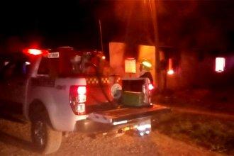 Mujer sufrió quemaduras al arder en llamas su vivienda