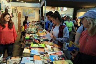 """Bajo el lema """"Nuestra bandera, una mirada, un libro"""", se realiza la 7° Feria del Libro de Paraná"""