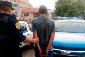 """En una confusión, policías """"desfiguraron"""" a golpes a un hombre porque pensaron que abusaba de su hijo"""