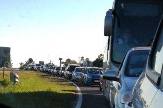 Tránsito lento en el Puente Internacional Artigas causó malestar en sus usuarios