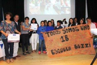 """Buenas noticias para los alumnos de """"la escuela sin título"""" de Concepción del Uruguay"""