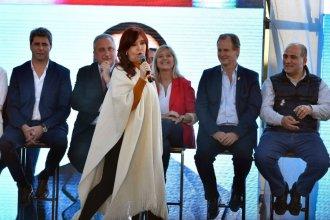 Sobre escenario pampeano, Bordet celebró junto a Alberto y Cristina el Día de la Lealtad peronista