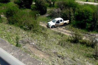 Una camioneta se precipitó al vacío desde el Puente Alvear