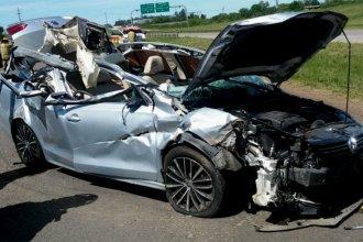 Violento impacto en la Autovía 14: su auto quedó destrozado y él está grave
