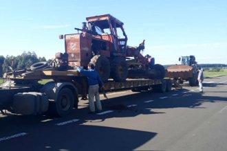 Insólito vuelco de una máquina niveladora cortó el tránsito en un tramo de la autovía