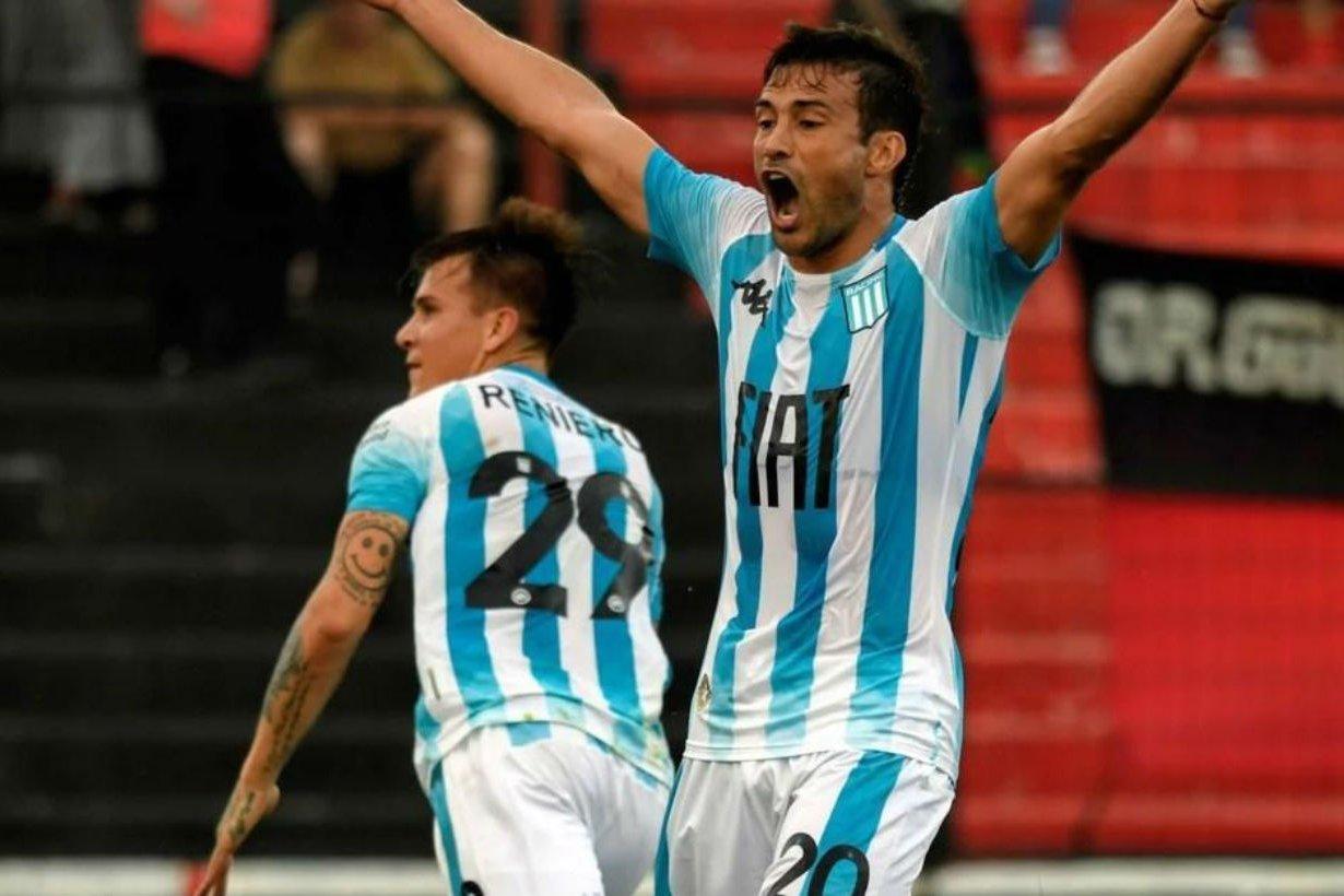 Cvitanich festeja el gol de Reniero.