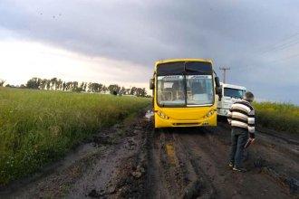 Odisea en el camino: las pésimas condiciones de la ruta les impidieron nuevamente llegar a la escuela