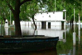 """""""No estaba en nuestros planes esta creciente, esperamos que el río baje para poder inaugurar temporada"""""""