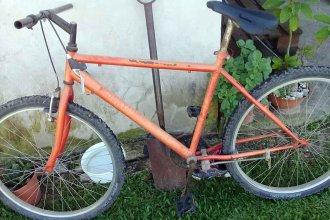 """Malicia contra joven bombero: """"No es la mejor bicicleta, pero es la que tengo"""""""