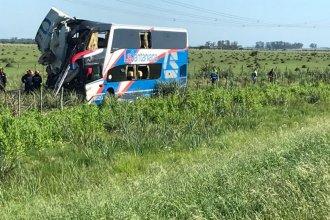Choque entre un colectivo y un camión: trasladan a los heridos al hospital de Gualeguaychú