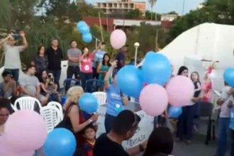 Soltaron globos en memoria de los bebés fallecidos durante el embarazo, el parto y el primer año