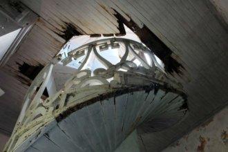 El deterioro general del Palacio San José motivó el reclamo de un legislador nacional