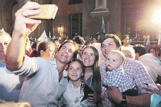Uruguay: Lacalle Pou llega como favorito al balotage pero Martínez promete dar pelea