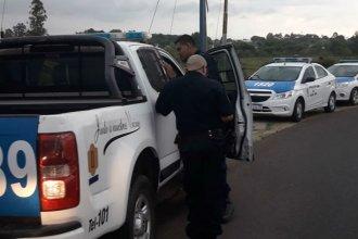 """Se enfrentaron a balazos debajo del puente Alvear y la Policía descubrió un """"aguantadero"""""""