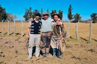 La ejemplar historia de vida de los hermanos gauchos de Entre Ríos que se recibieron de profesores
