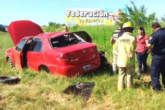 Sábado accidentado: familia sufrió un violento vuelco cuando viajaba por la Ruta 14