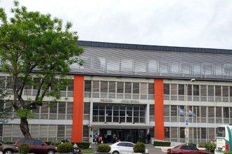 La fachada de tribunales se vistió de anaranjado para adherirse a la lucha contra la violencia de género