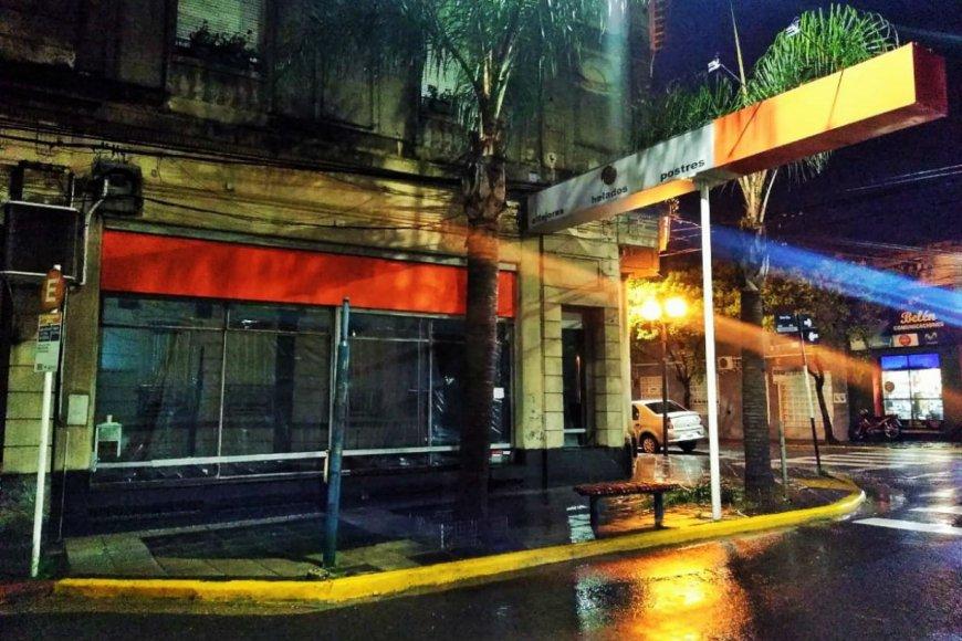 El local de calle Entre Ríos, desmantelado.