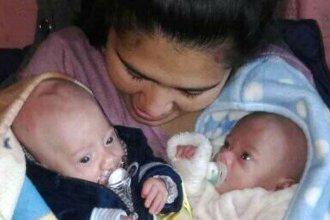 Tuvo 3 gemelos, dos sobrevivieron y pide ayuda para llevar a su casa al que permanece en el hospital