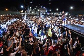 Ante 15000 personas y con un gesto de gratitud al principal sponsor, comenzó la Fiesta de la Citricultura