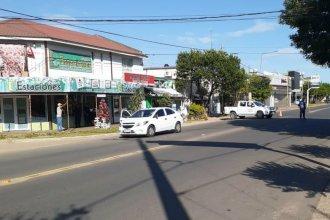 Encontró la muerte en una esquina de su ciudad: la chocó un auto en el que iban 4 policías