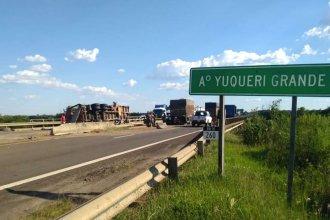 Vuelco en el acceso a Concordia provocó demoras en el tránsito en la autovía