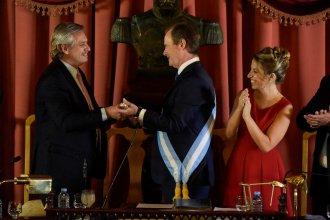 De la mano del Presidente, Bordet recibió el bastón de mando para su segunda gestión