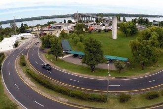 Llamado de atención: camiones cruzan sin protocolo por el puente entre Colón y Paysandú