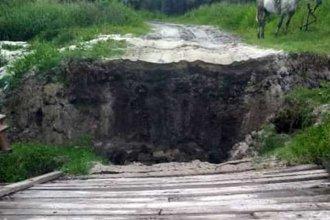 El temporal del fin de semana volteó un puente al sur de la provincia