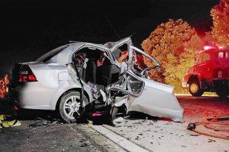 Trágico accidente en ruta uruguaya causó la muerte de dos jóvenes y un niño