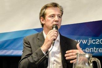 Bahl anunció que congelará su salario y el de sus funcionarios durante la emergencia económica