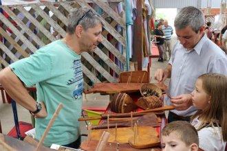 A un mes del inicio, los artesanos están preocupados por la organización de la fiesta
