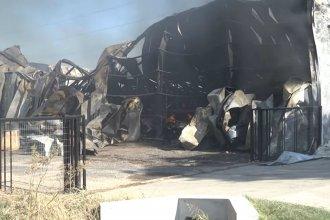 Detallaron cuál fue el origen del incendio que destruyó una distribuidora mayorista