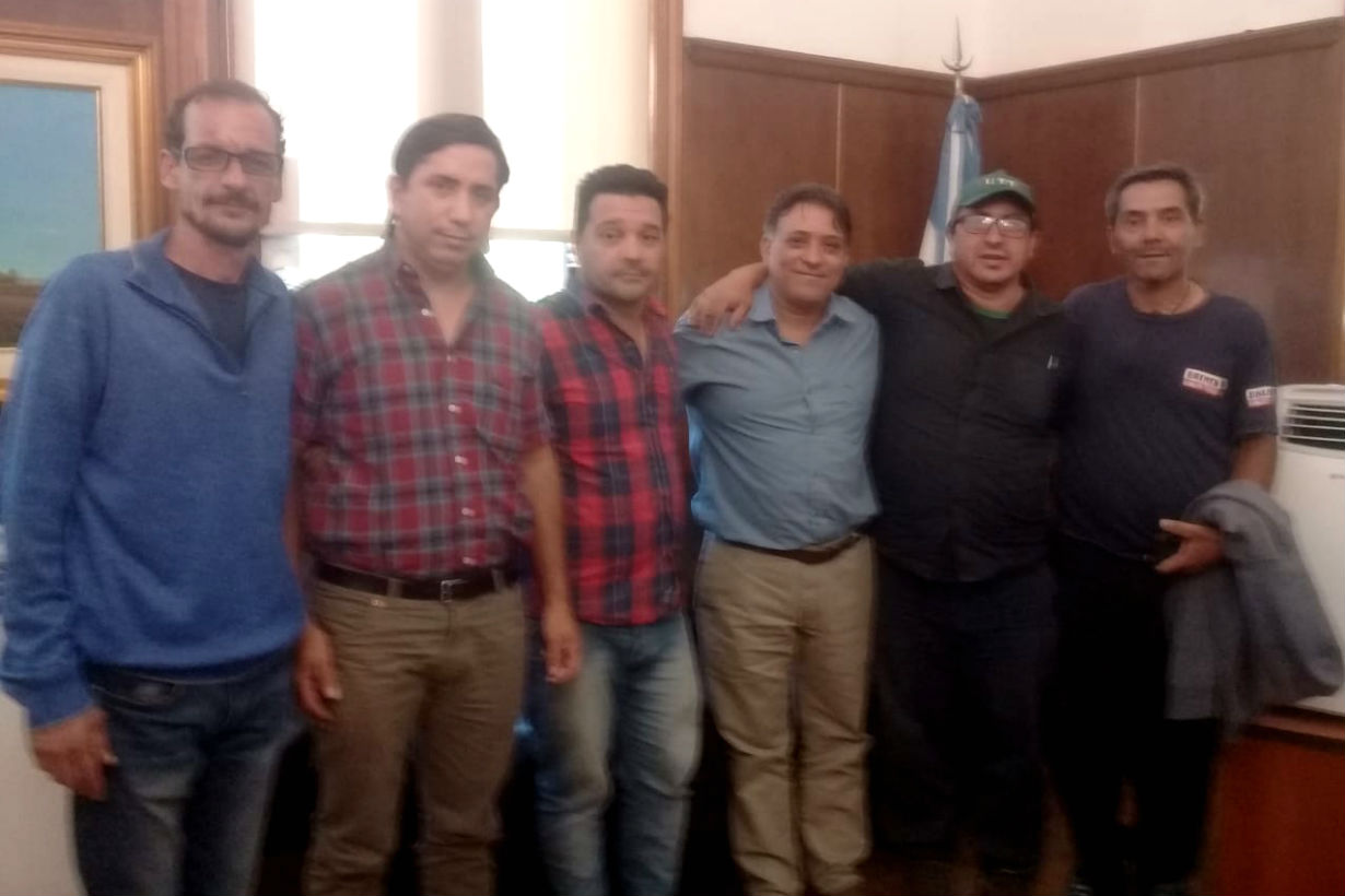 Gómez reunido con dirigentes de UTT.
