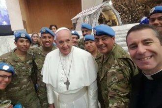 Cura y cabo entrerrianos tomaron mate con el Papa Francisco