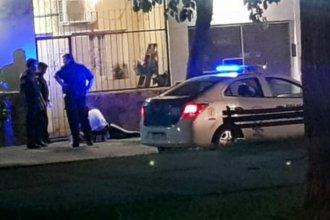 Encontraron en la calle a una mujer gravemente herida y sospechan de su ex pareja