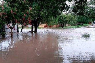 En pocos minutos cayeron más de 100 milímetros en Villaguay y hay familias con agua dentro de sus casas